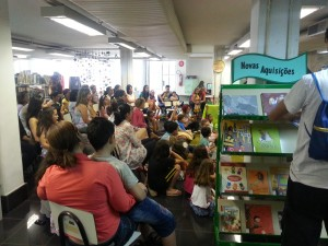 Biblioteca infantil  (2)